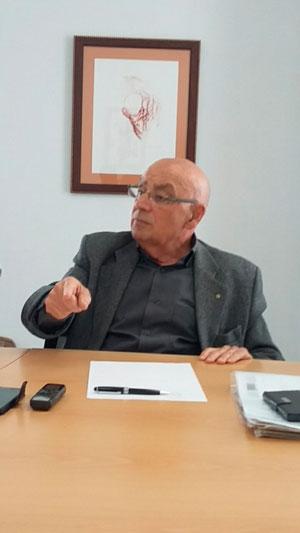 """José María Perea durante la entrevista: """"Uno de los retos de las ciudades es recuperar la calle, la vida en la calle, como se hacía en nuestra infancia y juventud"""""""