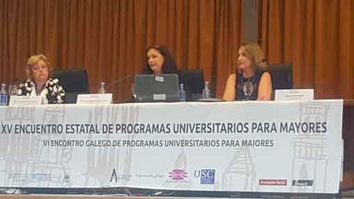 Intervención de la directora de la Universidad Permanente Concha Bru en el Encuentro de Santiago de Compostela